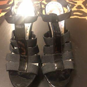 Black platform heels size 6 BCBG girls